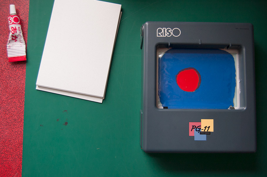 Gocco printer making a print